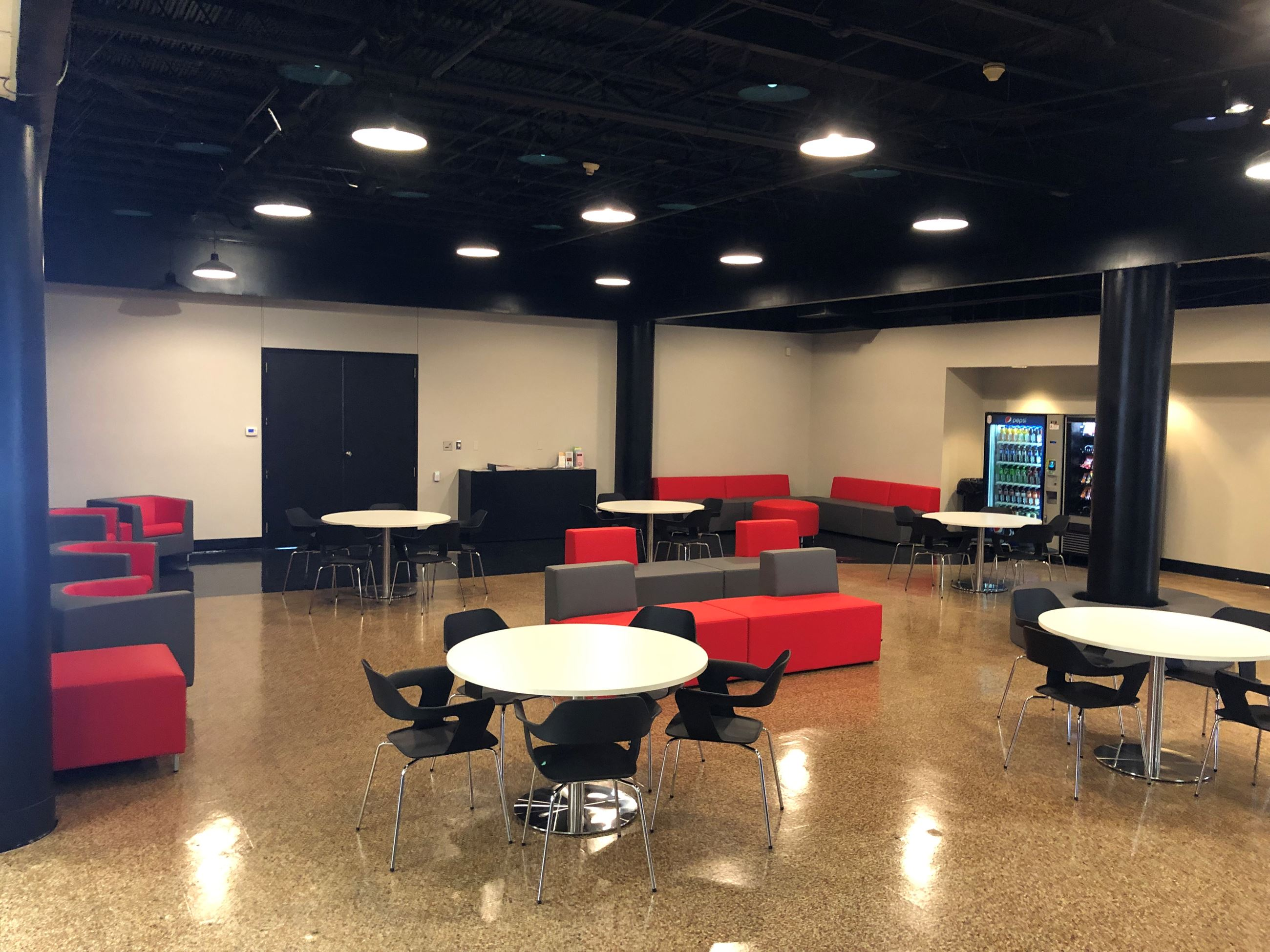 Hardin Center Parent and Student Lounge (1)